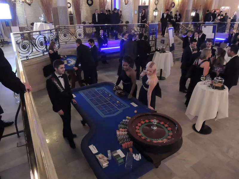 girls playing roulette